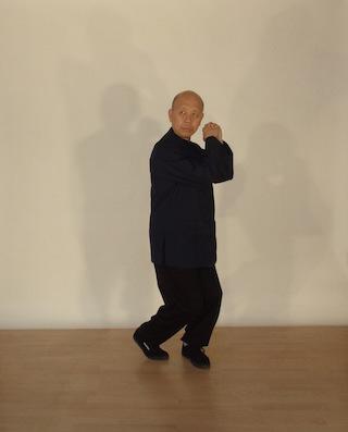 Foen Tjoeng Lie beim Üben von Hui Chun Gong
