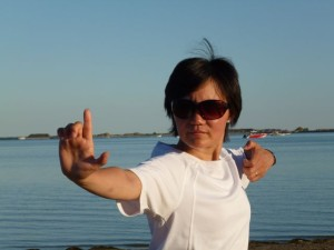 8 Brokate Faye Yip