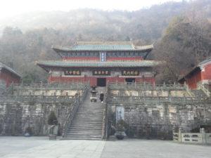 Liu De Ming im Tempel der Pupurnen Wolke