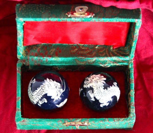 Qigong- Kugeln mit Drachen
