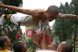 Kungfu: Ein Mönch testet sein Kung Fu (Gongfu)